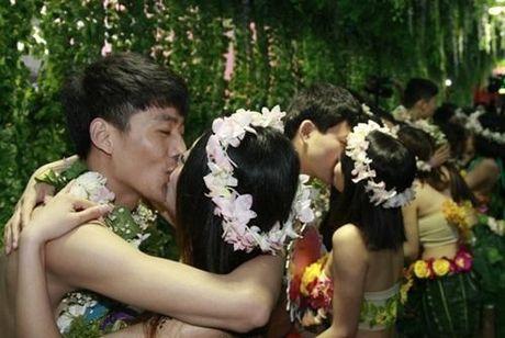 Choang vang voi dam cuoi kieu nguyen thuy nhu Adam - Eva - Anh 3