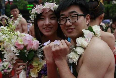 Choang vang voi dam cuoi kieu nguyen thuy nhu Adam - Eva - Anh 5