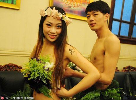 Choang vang voi dam cuoi kieu nguyen thuy nhu Adam - Eva - Anh 6