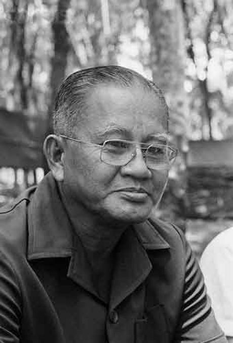 So phan 10 nhan vat quyen luc nhat Sai Gon sau 1975 - Anh 2