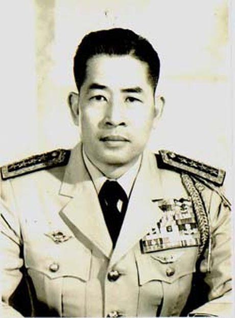 So phan 10 nhan vat quyen luc nhat Sai Gon sau 1975 - Anh 9