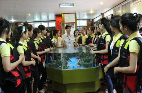 Quang Ninh: Nguoi dep Ha Long trai nghiem tren Vinh - Anh 6