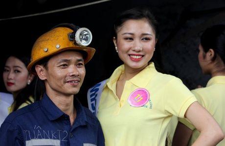 Quang Ninh: Nguoi dep Ha Long trai nghiem tren Vinh - Anh 8