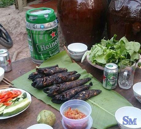"""Thuong thuc """"dung dieu"""" ca loc dong nuong trui dan da - Anh 3"""