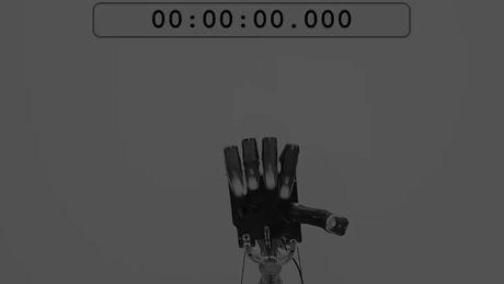 Che tao thanh cong tay robot 5 ngon nhu tay nguoi, tien tien nhat the gioi - Anh 2