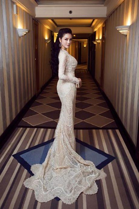 Vay hang hieu cua Ly Nha Ky tren tham do Cannes co gi dac biet? - Anh 11
