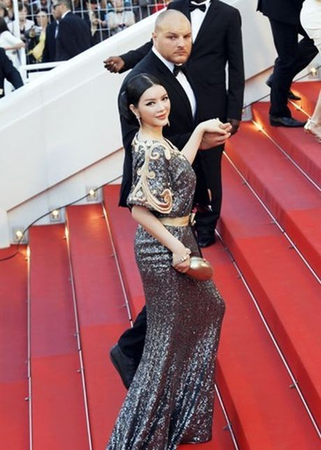 Vay hang hieu cua Ly Nha Ky tren tham do Cannes co gi dac biet? - Anh 4