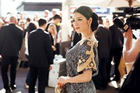 Vay hang hieu cua Ly Nha Ky tren tham do Cannes co gi dac biet? - Anh 6