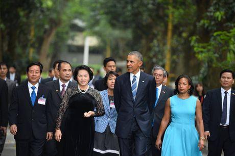 Tuong thuat ngay lam viec dau tien cua Obama tai Ha Noi - Anh 12