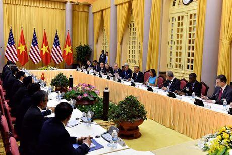 Tuong thuat ngay lam viec dau tien cua Obama tai Ha Noi - Anh 15