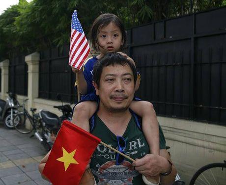 Tuong thuat ngay lam viec dau tien cua Obama tai Ha Noi - Anh 34