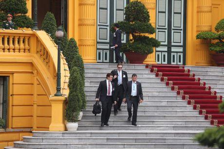 Tuong thuat ngay lam viec dau tien cua Obama tai Ha Noi - Anh 37