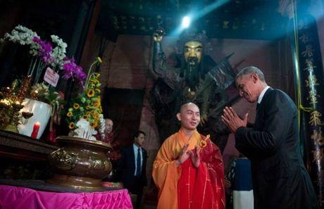 Cau noi bat ngo cua ong Obama trong chua Ngoc Hoang - Anh 3