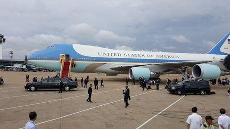 Nhung hinh anh dau tien cua Tong thong My Barack Obama tai TP.HCM - Anh 3