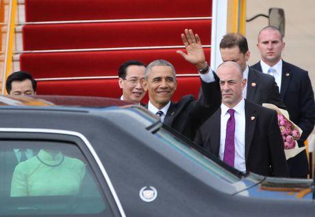Nhung hinh anh dau tien cua Tong thong My Barack Obama tai TP.HCM - Anh 8