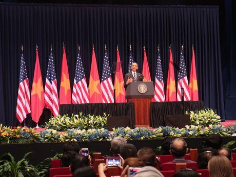 Tong thong Obama noi gi voi cac thu linh tre Viet Nam? - Anh 4