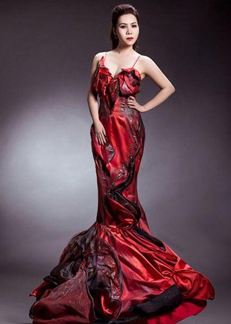 Nữ hoàng Doanh nhân Ngô Thị Kim Chi đẹp lộng lẫy với đầm dạ hội