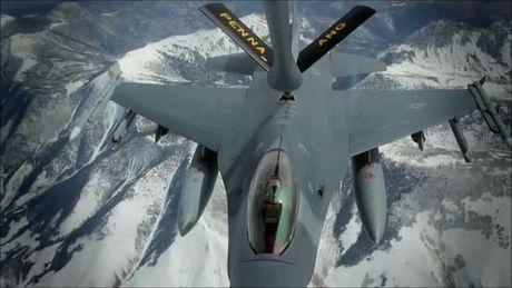 Viet Nam khong nen mua chien dau co F-16, vi sao? - Anh 12