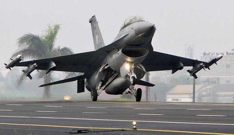Viet Nam khong nen mua chien dau co F-16, vi sao? - Anh 14