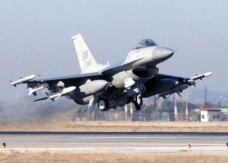 Viet Nam khong nen mua chien dau co F-16, vi sao? - Anh 9