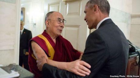 Bat chap Trung Quoc phan doi, Obama van tiep Dat Lai Lat Ma - Anh 1