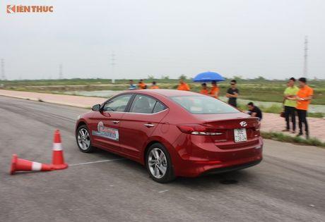 """Hyundai Elantra 2016 """"uong"""" 4,6l xang/100 km? - Anh 11"""