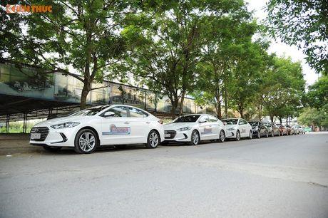 """Hyundai Elantra 2016 """"uong"""" 4,6l xang/100 km? - Anh 1"""