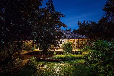 Chàng giám đốc Sài Gòn kỳ công xây nhà lá ở miền Tây
