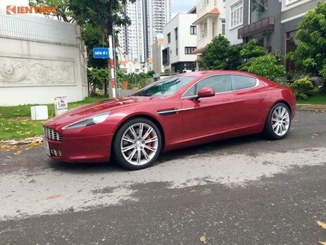"""Siêu xe Aston Martin Rapide màu """"độc"""" giá 5 tỷ tại VN"""