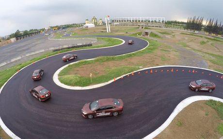 Xem Honda City thể hiện phong độ trên đường đua chuyên nghiệp