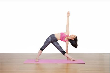 Bon tu the yoga giup teen cai thien chieu cao nhu mong muon - Anh 1