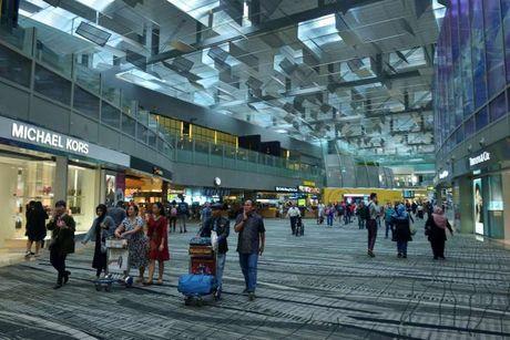 12 quy dinh ma ban can biet de tranh bi phat khi o Singapore - Anh 1