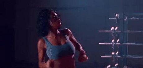 Dau tim nhin chi em tap gym - Anh 2