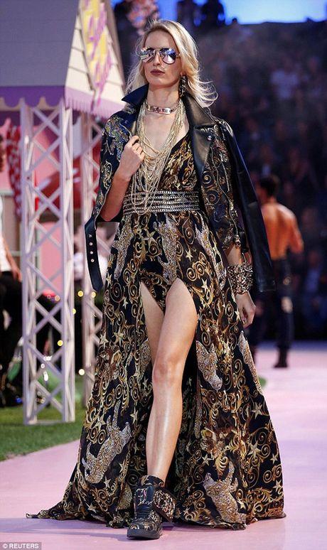 Ai nu ty phu Paris Hilton lo dang tho khi lam nguoi mau - Anh 10