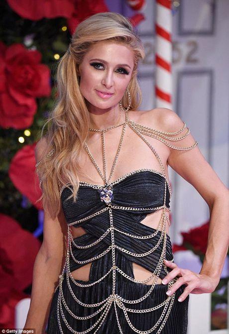 Ai nu ty phu Paris Hilton lo dang tho khi lam nguoi mau - Anh 3
