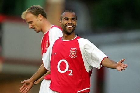 Doi hinh Arsenal hay nhat ky nguyen Wenger: The Invincibles - Anh 2