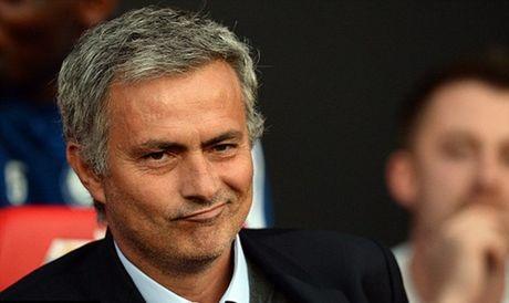 Mourinho tung duoc nu bac si Carneiro cuu chua - Anh 1