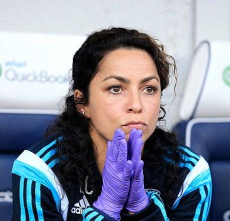 Mourinho tung duoc nu bac si Carneiro cuu chua - Anh 2