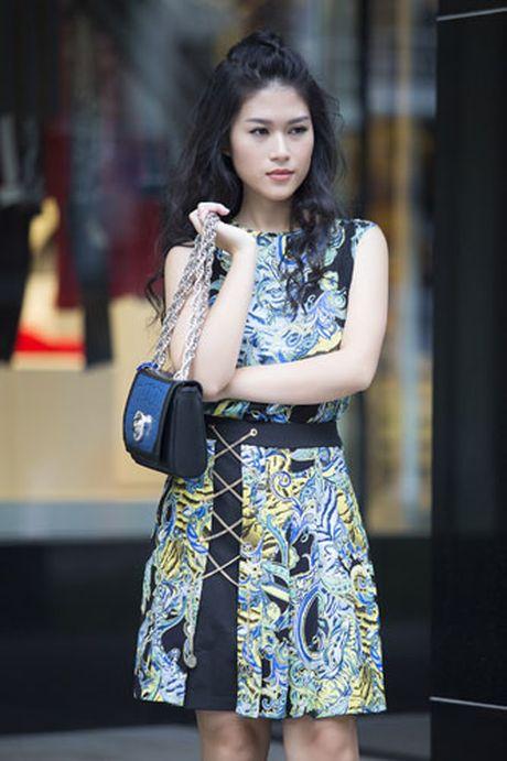 Ngoc Thanh Tam nang dong va ca tinh trong trang phuc streetstyle - Anh 7