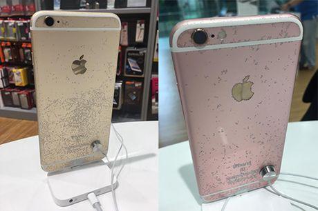 iPhone 7 xau xi bat ngo trong Apple Store - Anh 4