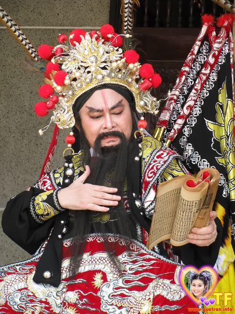 NSND Thanh Tong - Tu 'than dong' thanh 'ong vua cai luong' - Anh 2