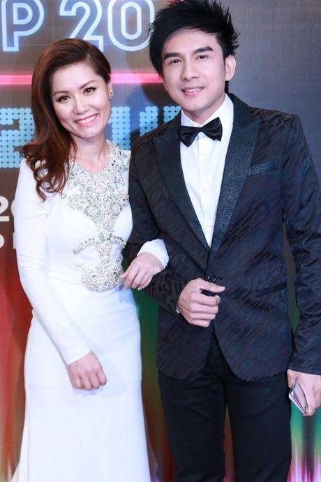 Vo Dan Truong khoe kheo viec dang mang bau con trai - Anh 2