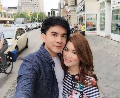 Vo Dan Truong khoe kheo viec dang mang bau con trai - Anh 3