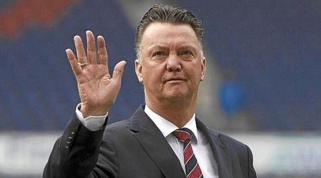 Van Gaal duoc moi dan dat mot doi bong lon o Bundesliga - Anh 1