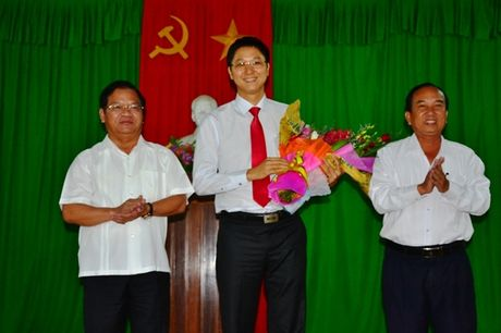 Quang Ngai co Bi thu Huyen uy 8X - Anh 1