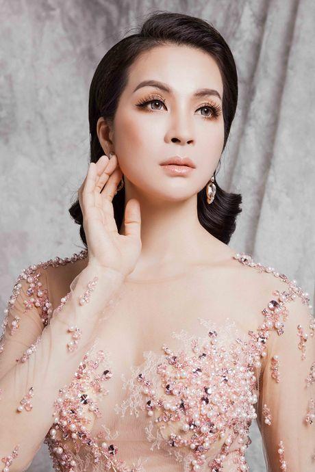 Ngo ngang voi duong cong nhu thieu nu cua nguoi dep U50 Thanh Mai - Anh 1