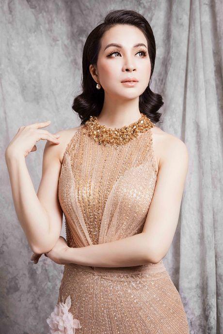 Ngo ngang voi duong cong nhu thieu nu cua nguoi dep U50 Thanh Mai - Anh 3