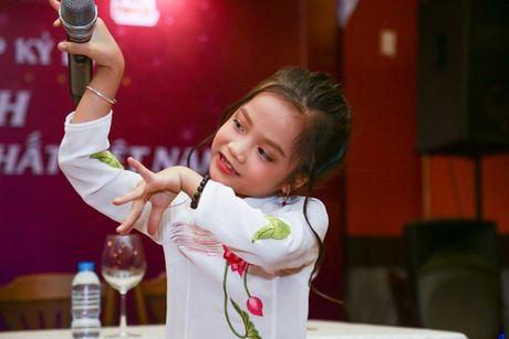 Thuy Tien benh vuc Hoa hau Phuong Nga - Anh 4