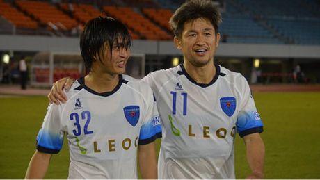 Dang sau ban thang de doi cua Tuan Anh cho Yokohama - Anh 1
