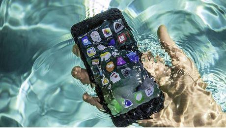 Nhung dieu can lam khi iPhone 7 bi uot - Anh 1